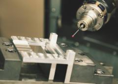 Obsługa maszyn CNC – jak używać tokarki CNC do metalu?