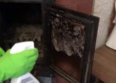 Jak wyczyścić zakopconą szybę kominkową