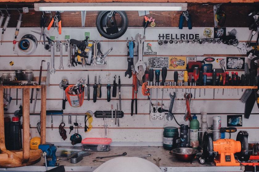 Bałagan w garażu – jak go okiełznać?